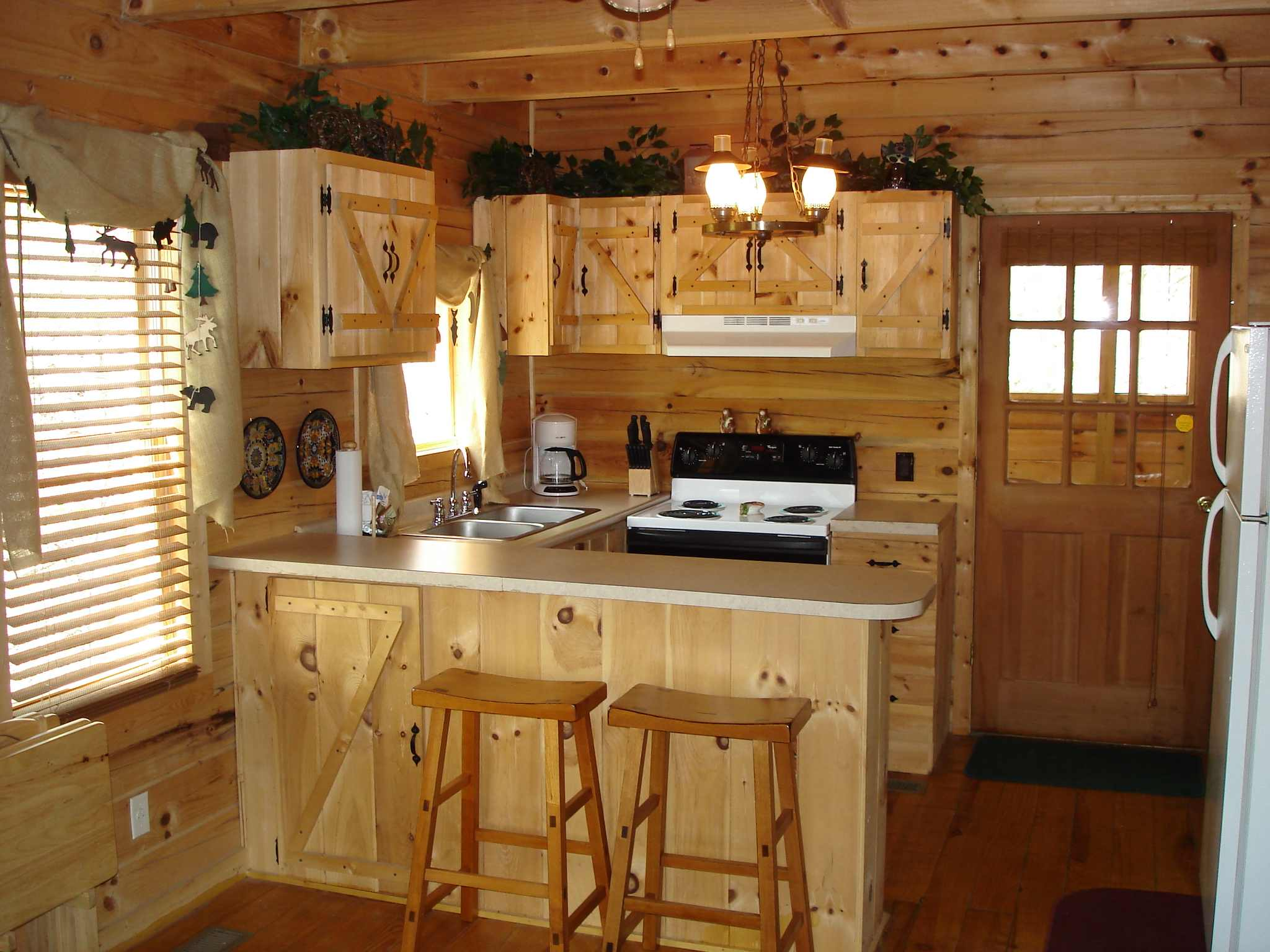kitchen remodel on Kitchen Remodel Designs: Rustic Kitchen Photos